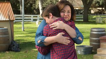 Assistir American Housewife T2E19 It's Hard to Say Goodbye no Sony Channel HD 15/08/2020 às 07:00