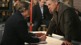 Assistir NCIS T5E14 Internal Affairs no AXN HD 04/05/2021 às 10:10