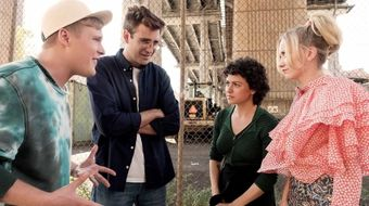 Assistir Search Party T2E9 Frenesi no Warner HD 24/01/2021 às 06:46