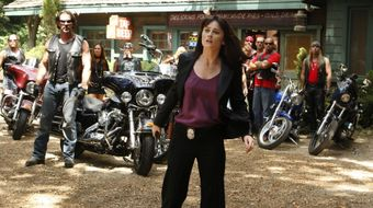 Assistir The Mentalist T2E4 Red Menace no TNT Séries 11/08/2020 às 08:15
